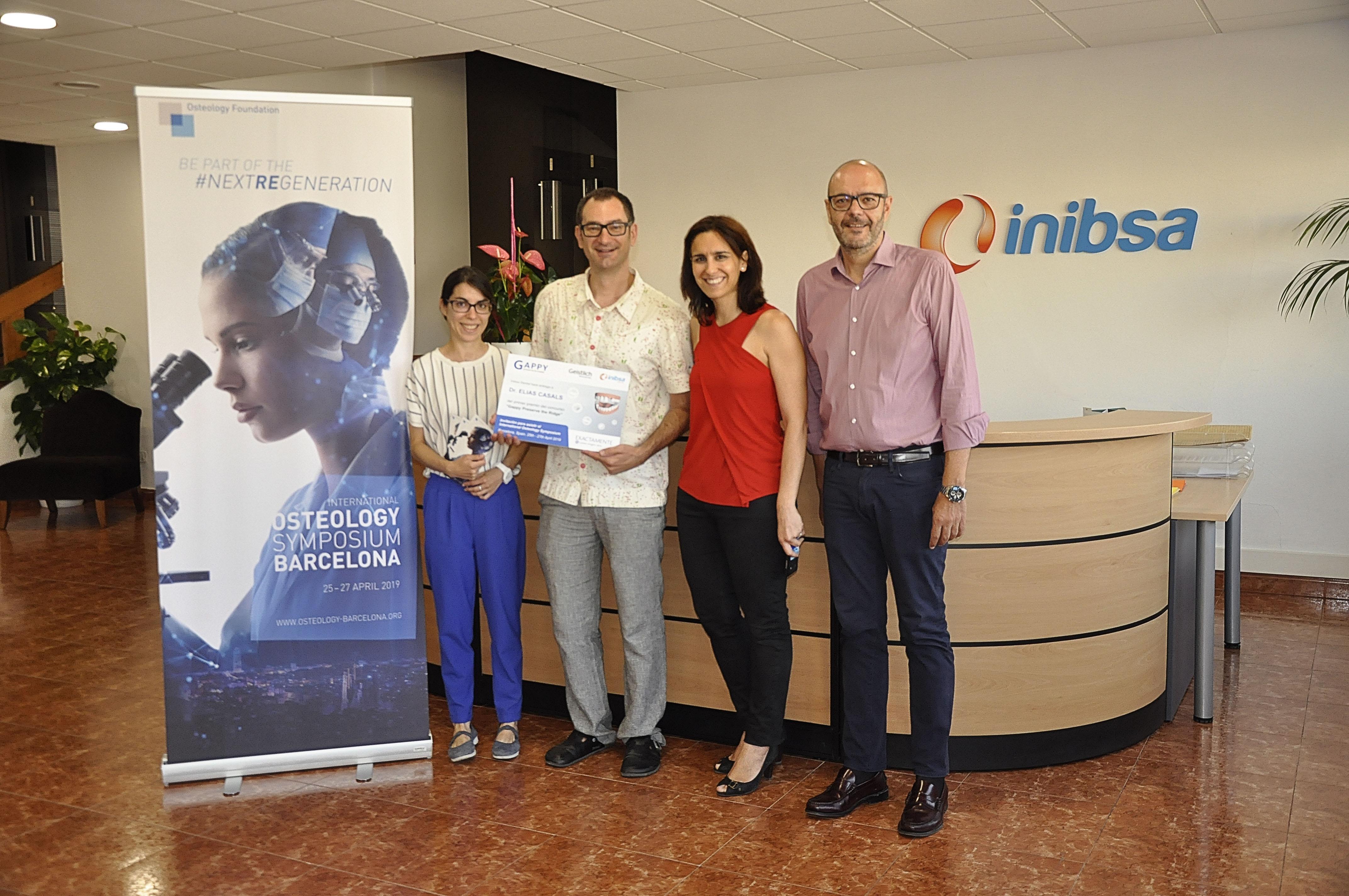 Inibsa Dental lliura el primer premi del concurs Gappy de Geistlich Pharma AG al Dr. Elias Casals